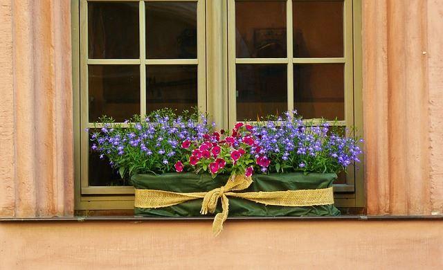 37 Fabulous Garden Box Ideas Window Box Flowers Window Box Flower Boxes
