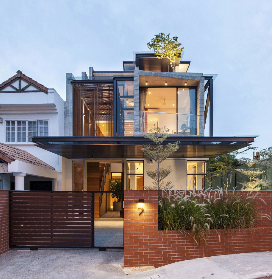 Diseño de moderna casa de ciudad de tres pisos, fachada combina ...