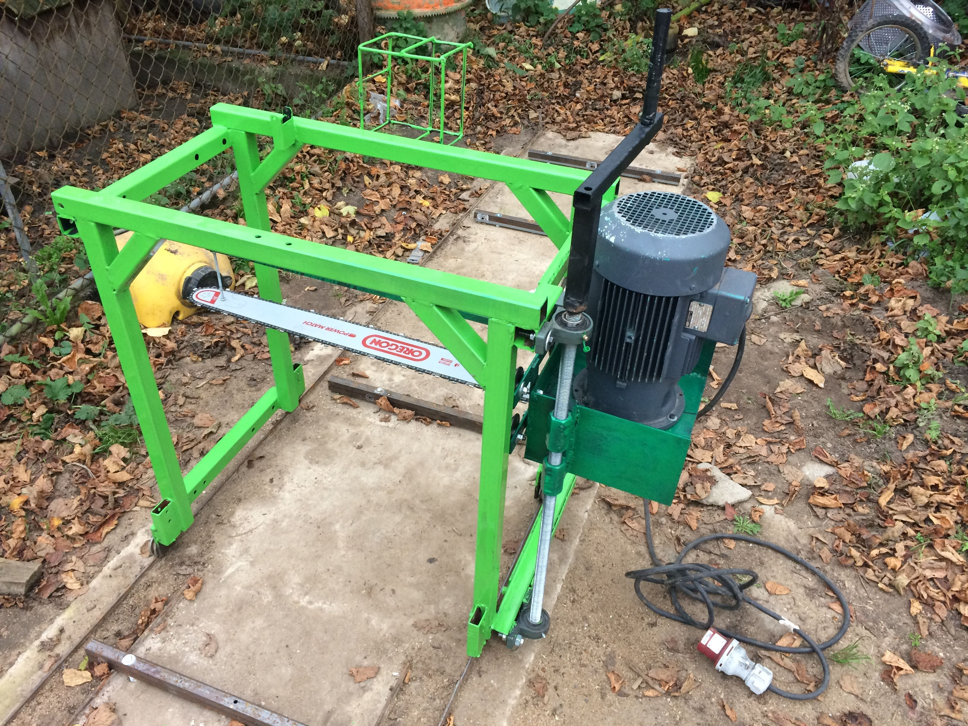 Plans to make a hydraulic chainsaw