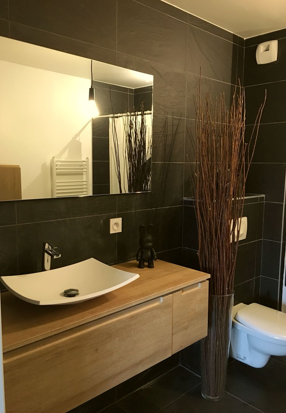 Salle de bain, noir, ardoise, bois, | Bathrooms | Bathroom Lighting ...