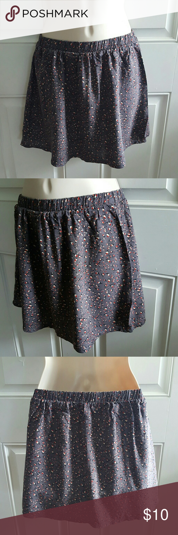 FOREVER 21 Gray Red Floral Print Mini Skirt Pull on. Elastic waist. Above knee, mini length.   Excellent Pre-Loved Condition! Forever 21 Skirts