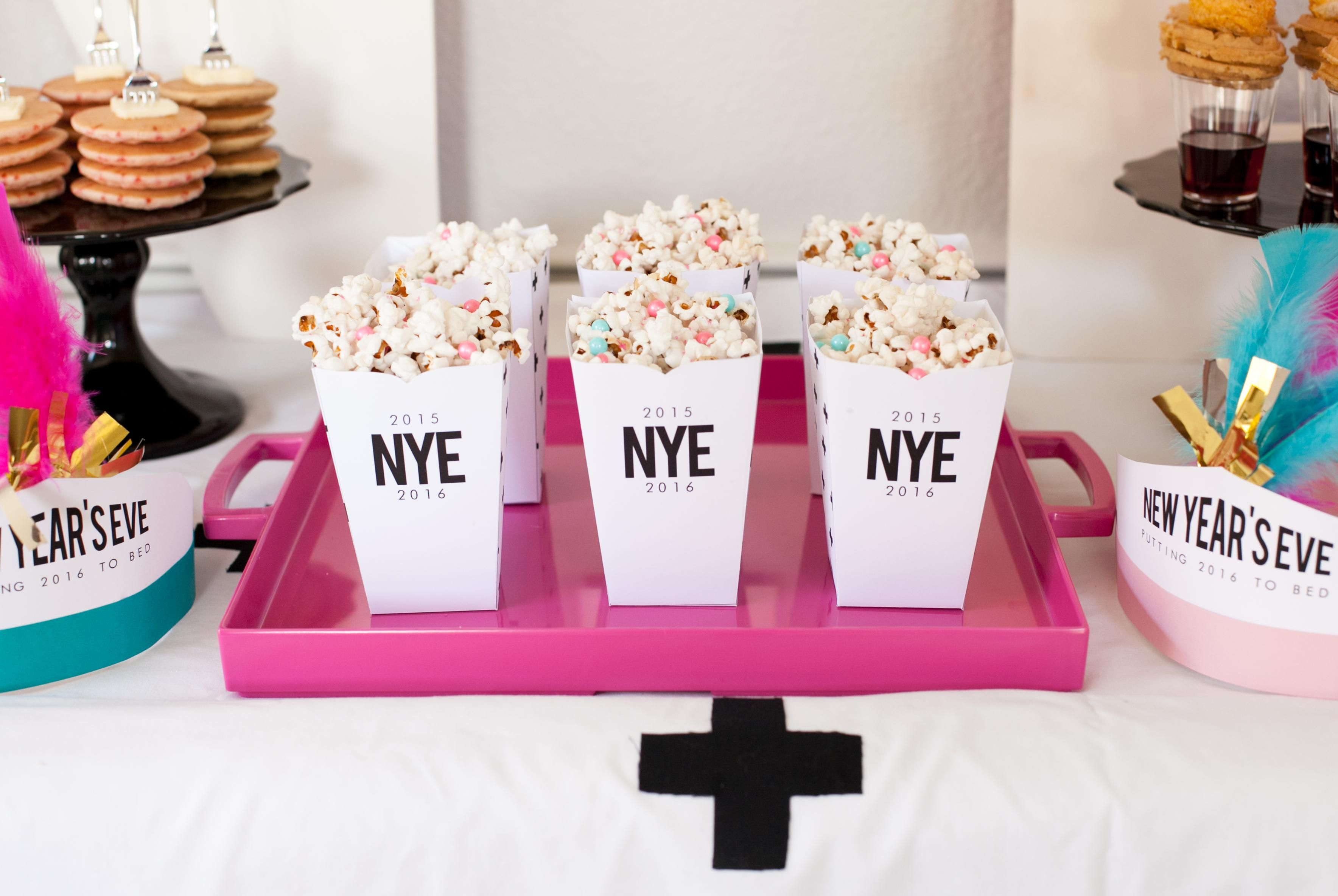 Crunchy Party Popcorn Mix + FREE Box Printables | New Years Eve ...
