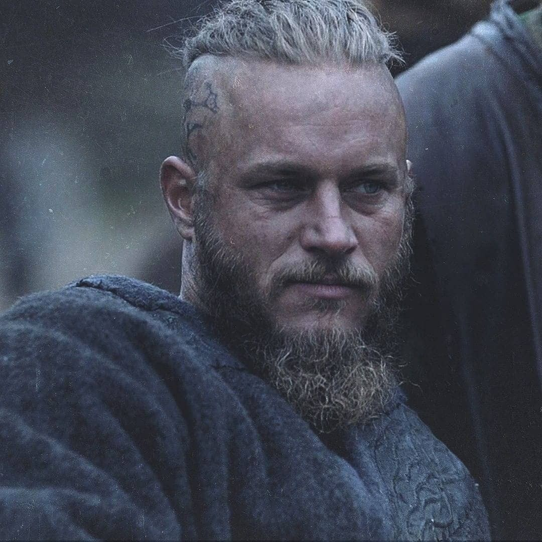 Pin By Heidi On All Hail King Ragnar Ragnar Lothbrok Vikings Vikings Ragnar Vikings Travis Fimmel