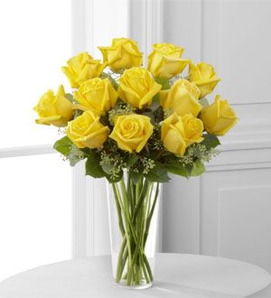 Imageload 300 330 Alternative Center Piece To Sunflowers Yellow Rose Bouquet Yellow Roses Rose Bouquet
