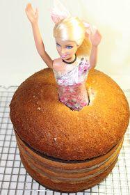 Foodilicious Sarah: Barbie Cake