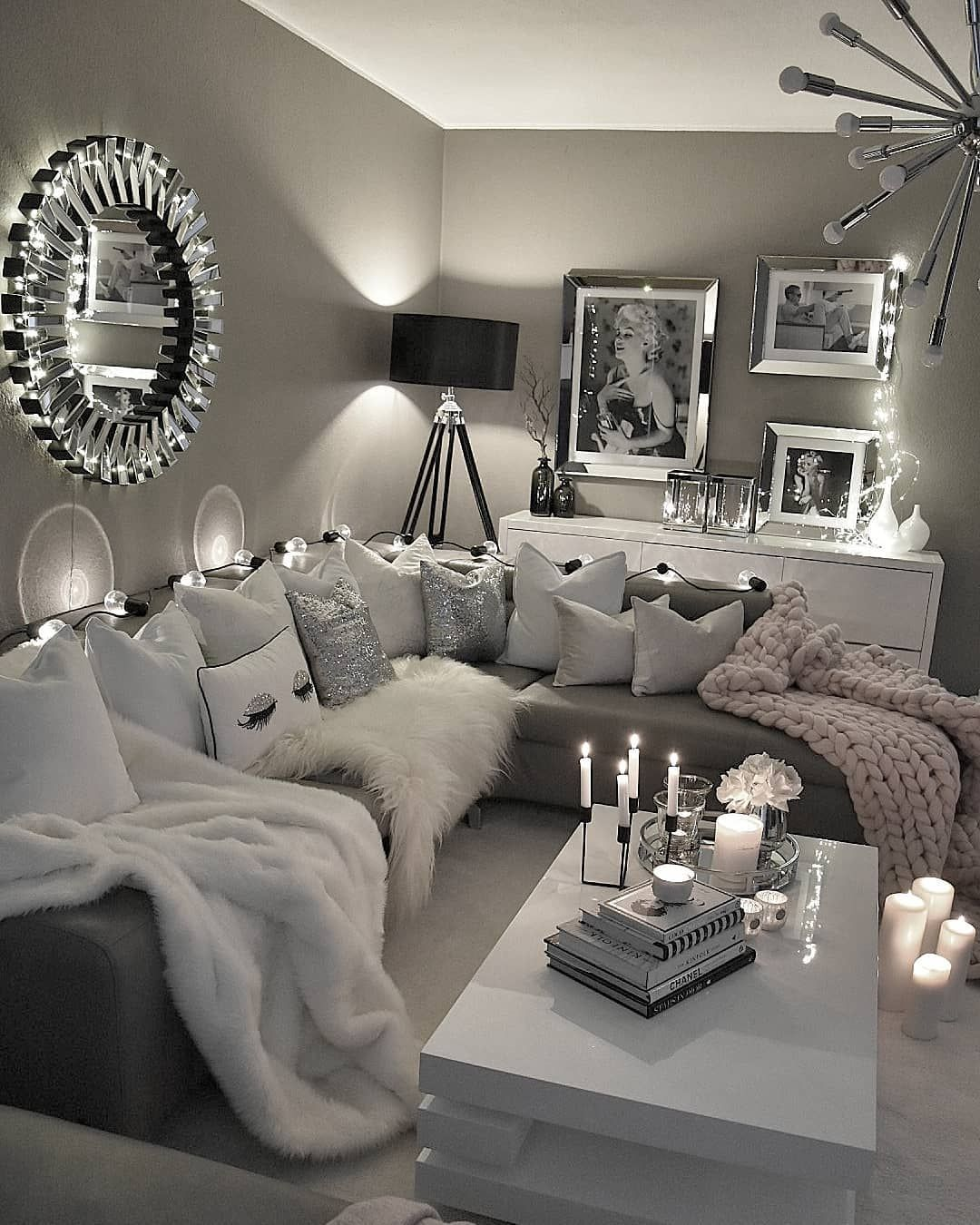 Pin by jennifer liccion on living room schlafzimmer - Black and white and grey living room ...