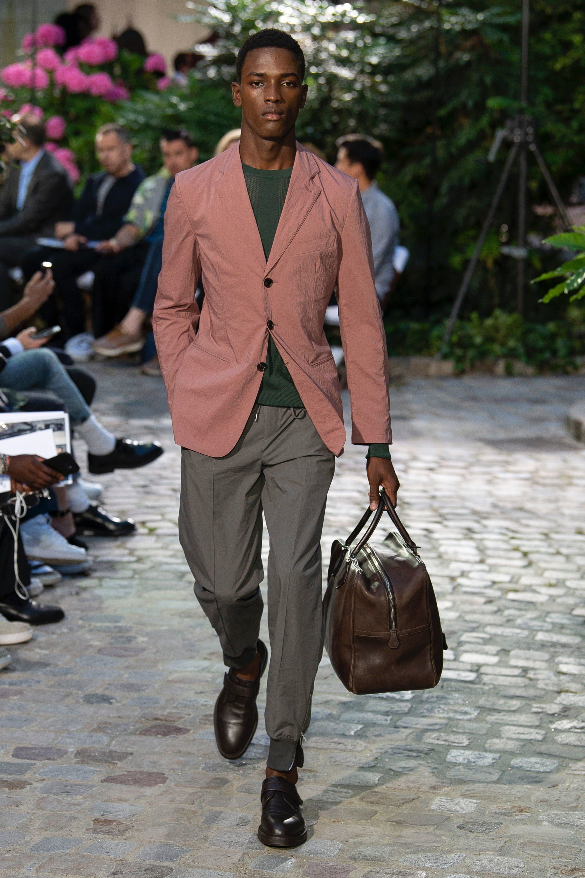 3fba779a1bac Hermès Spring 2019 Menswear Fashion Show in 2018   Street Fashion ...