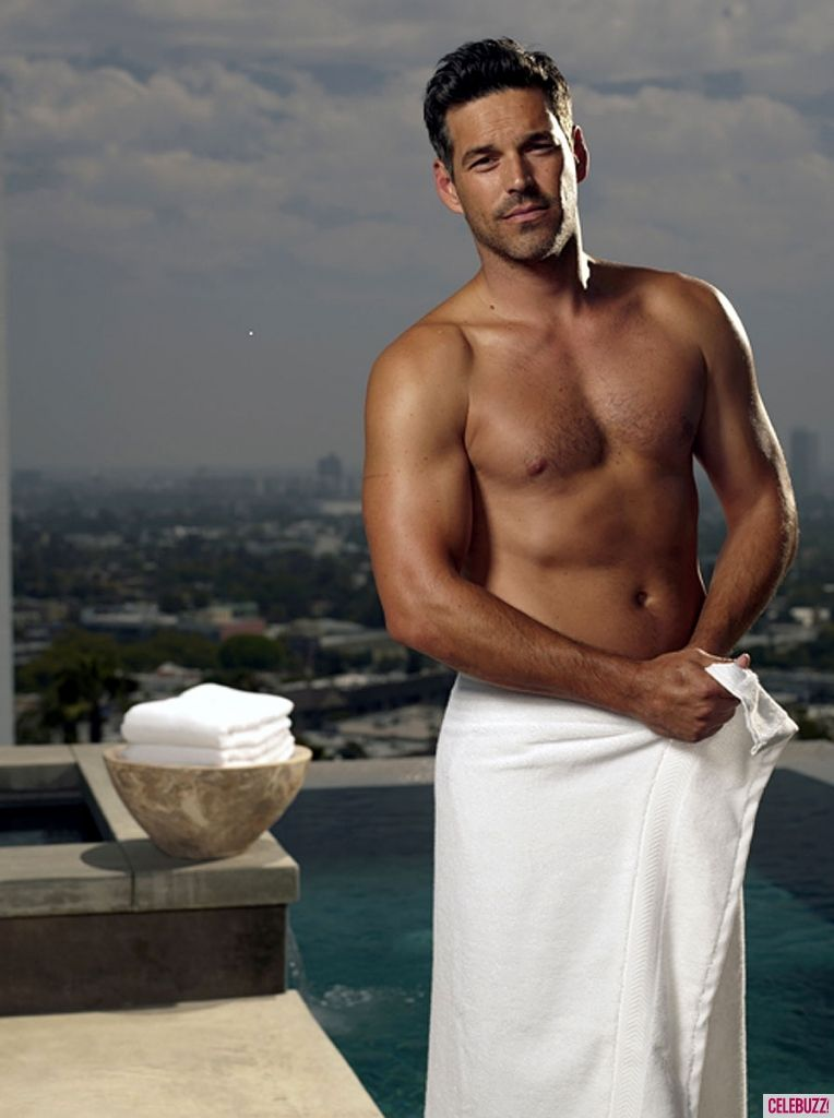 Author/nu >> Sexy & Shirtless Eddie Cibrian Covers Up in Only a Towel