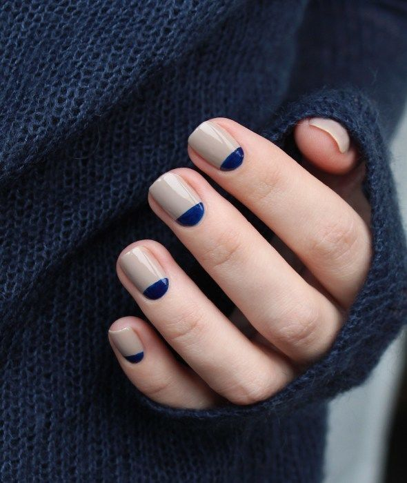 Bored with the basic French manicure that most brides tend to get before the big day? But is a full navy blue nail polish too much? Add some navy accents to a neutral bridal manicure and everyone at your wedding will love the results. | 11 Elegant Navy Wedding Ideas