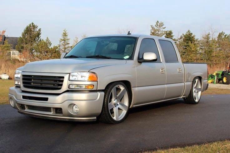 2006 gmc sierra crewcab note the modified grill front. Black Bedroom Furniture Sets. Home Design Ideas