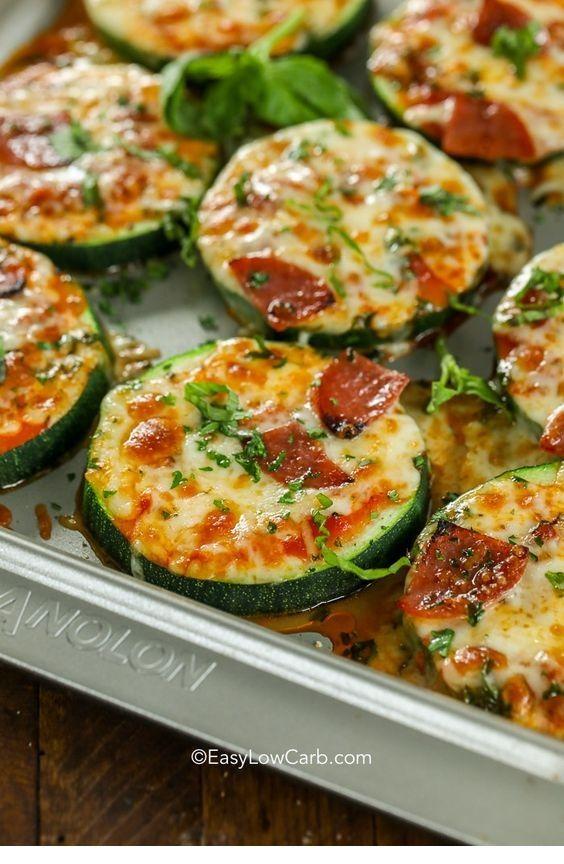 Diese ZUCCHINI PIZZA BITES ist lecker und lecker !!! Klicken Sie einfach auf den Link, um die CO zu sehen …   – All Food Recipes   needtaste.com