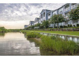 Villa Du Lac Pet Friendly Apartments House Styles Mansions