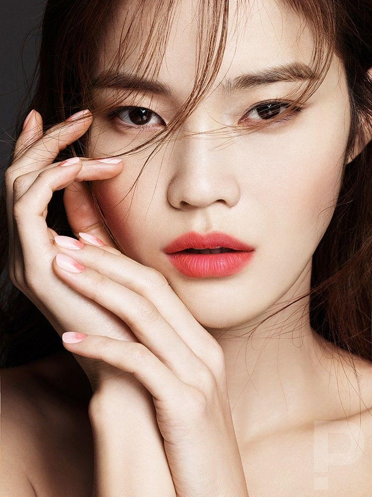 Han Eu Ddeum by Kim Moo Il for Singles Korea Wedding S/S 2016
