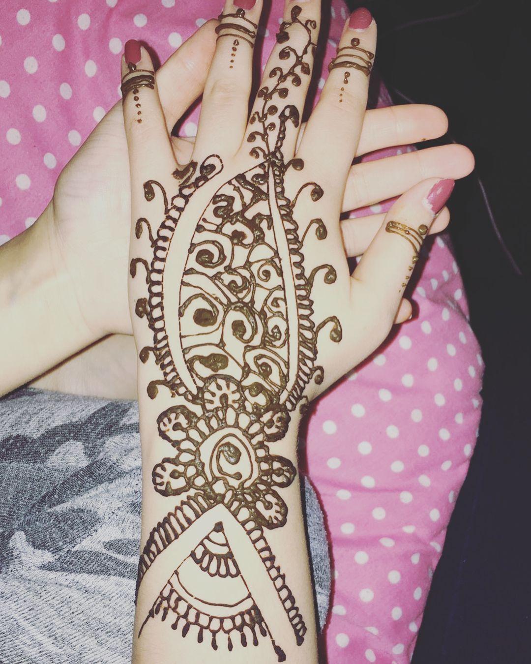 My first hand model hennamehndimehendihennadesign Henna