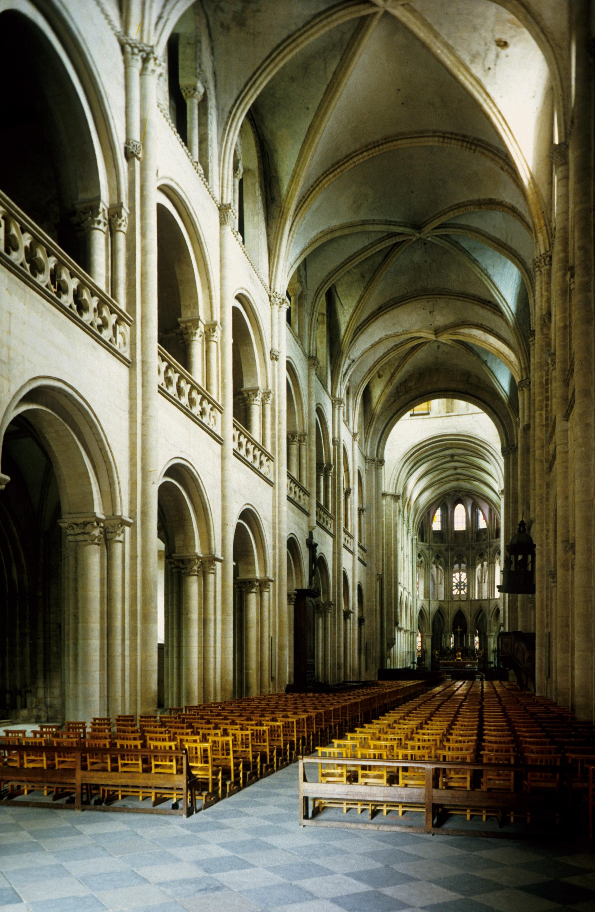romanesque architecture france nave st etienne the abbaye aux hommes caen 1067 1120 at. Black Bedroom Furniture Sets. Home Design Ideas