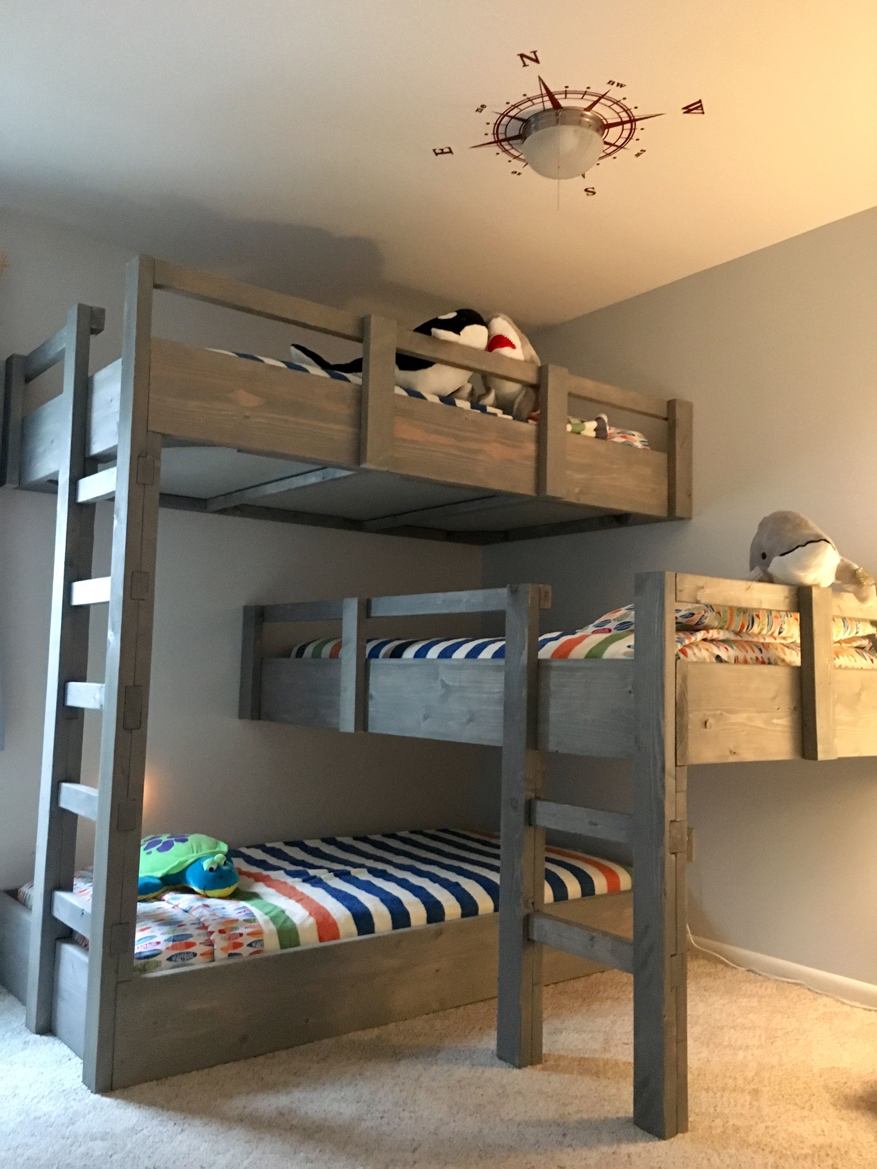 Loft bed ideas for kids  Like the color of the beds Más  BEAUTY  Pinterest  Bunk bed