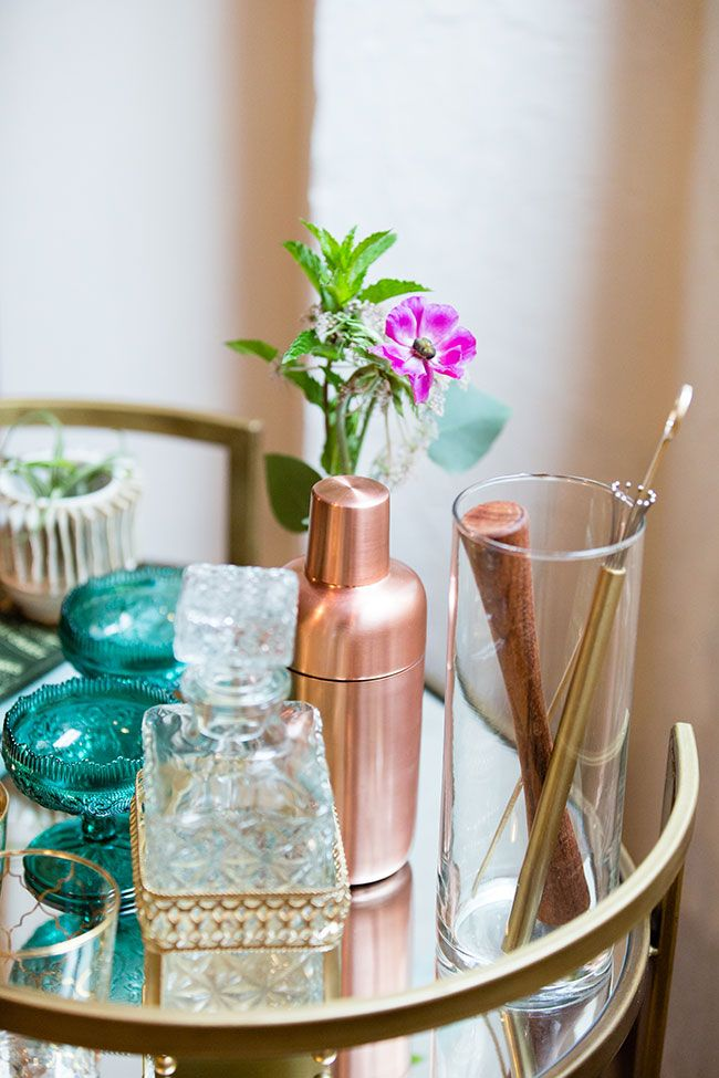 Jessica Moriarty of Prime and Polish led us through styling a bar cart while the ladies sipped their cocktails.