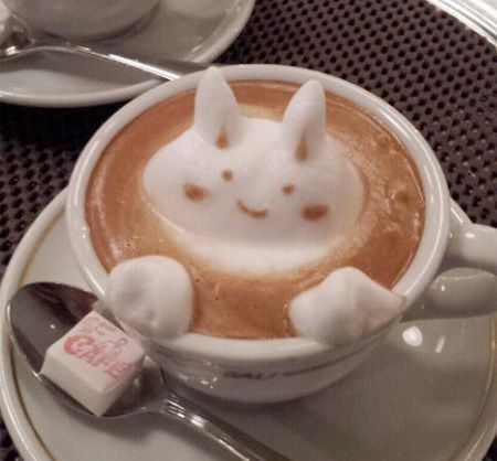Osaka, Japan-based coffee artist Kazuki Yamamoto creates beautiful and creative latte art in cups that makes people stare in awe at the drink.