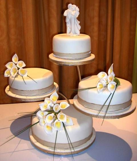 The Wedding Cake Impression Depends On What Stand You Choose