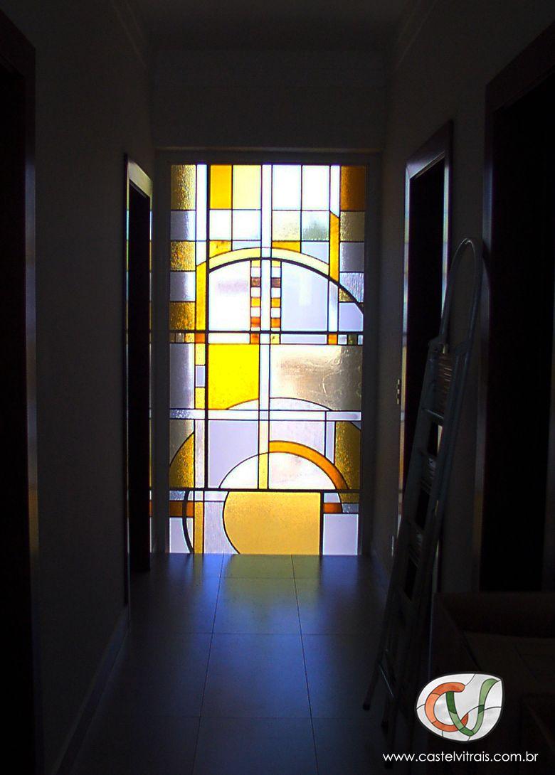 Vitral autêntico, com vidros coloridos importados