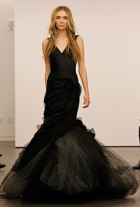 Sleeveless Black Tulle Mermaid Wedding Dress With A V Neckline And White Details In The Skirt Vera Wang