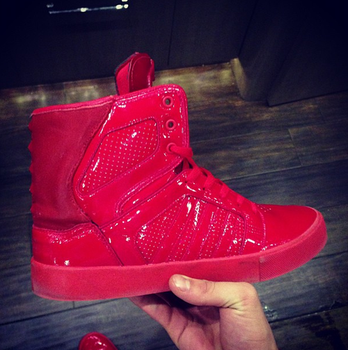 f338ac01cf supra red shoes | supras♡♡♥♥ | Sneakers, Shoes, Hip hop shoes