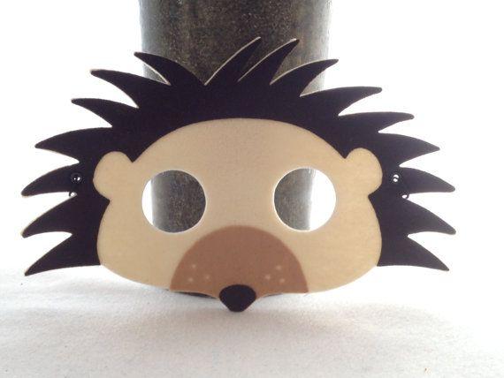 funky hedgehog mask woodland creature felt animal mask hedgehog costume igel masken und. Black Bedroom Furniture Sets. Home Design Ideas