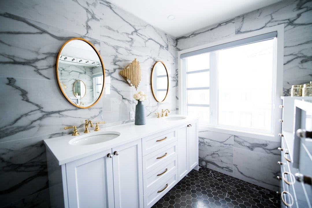 Moderne Badideen Wie Sie Die Natur Naher Bringen Konnen In 2020 Badezimmer Design Modernes Badezimmerdesign Badrenovierung