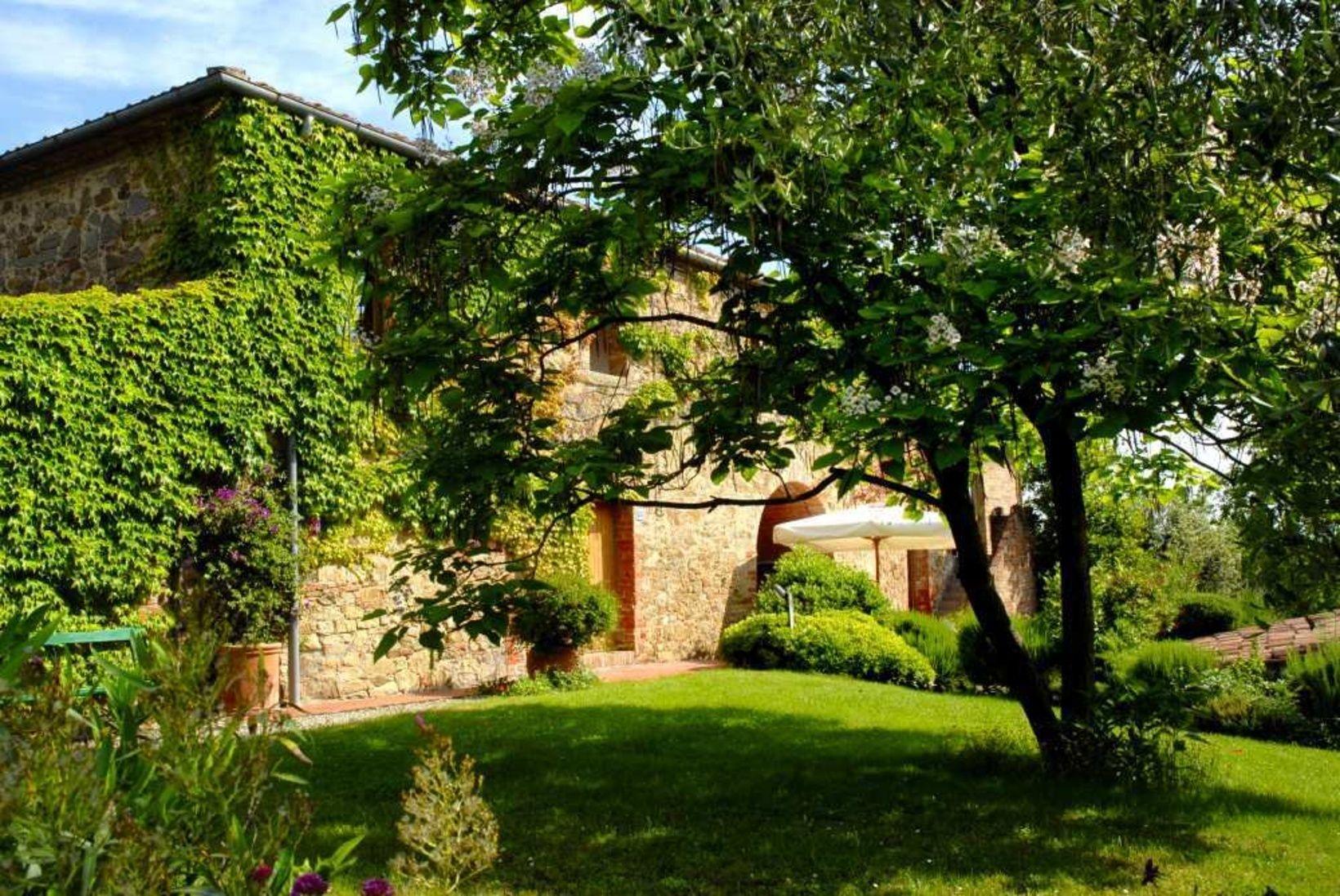 Italien Toskana Immobilie Sinalunga 9 Hektare Mit Wald Olivenbaume Landhaus Mit B B Pool Alleinlage Kaufpreis Reduziert Auf Toskana Immobilien B B