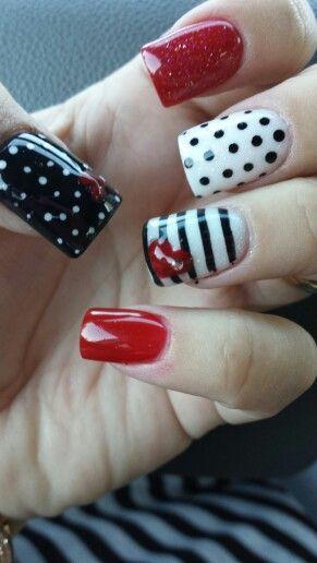 Uñas Rojo Negro Blanco Lineas Y Puntos Uñas Acrílicas Nails