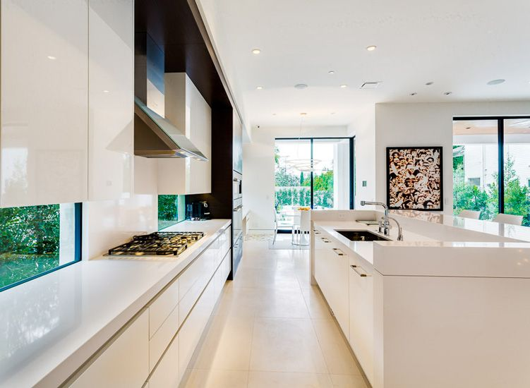 Contemporary whites downsview kitchens and fine custom for Modern kitchen manufacturers