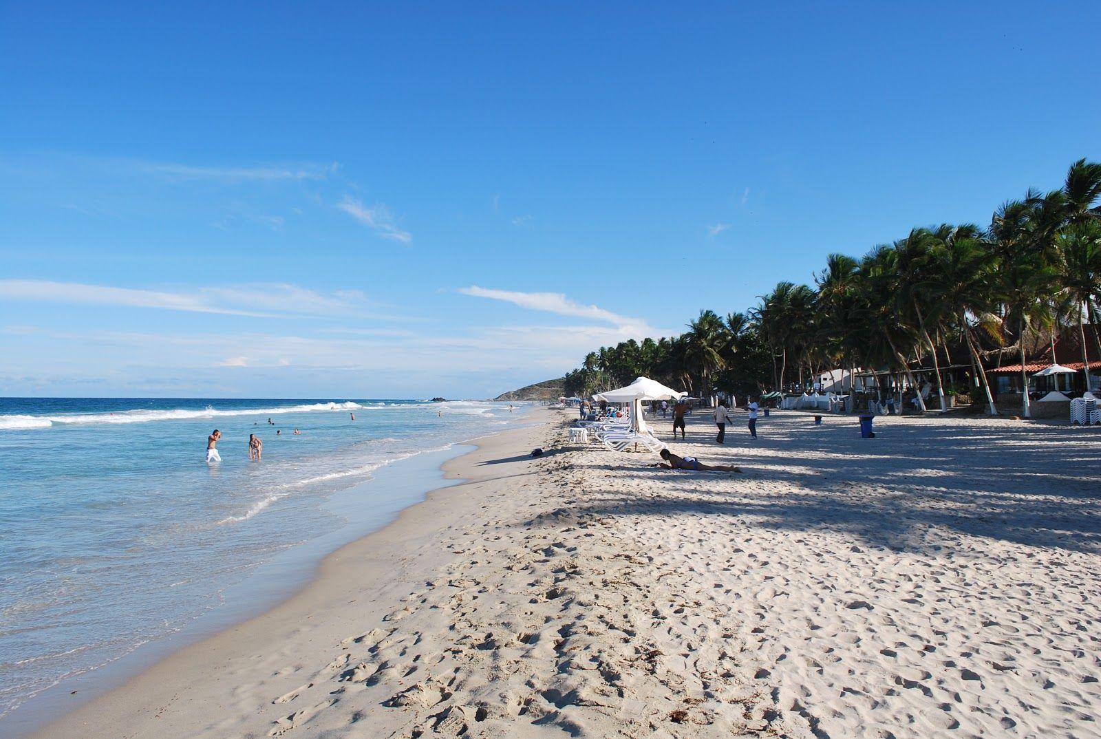 Playa El Agua, la #playa mas popular y una de las mas hermosas de la isla, con un oleaje relativamente fuerte dependiendo de la época del año. Ubicada junto a un bulevar, cuenta con todos los servicios, así como cantidades de restaurantes, hoteles y tiendas.