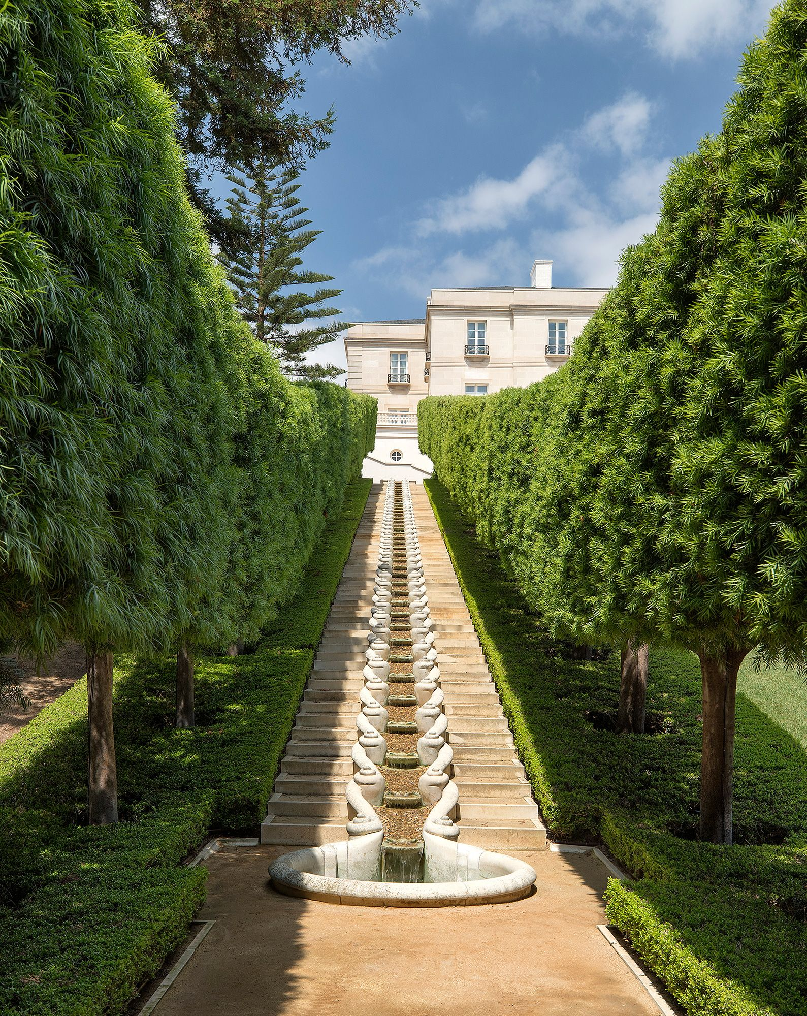 The Real Beverly Hillbillies Mansion Sells For About 150m The Highest Price In California History See The Photos Expensive Houses Houses In America Mansions For Sale