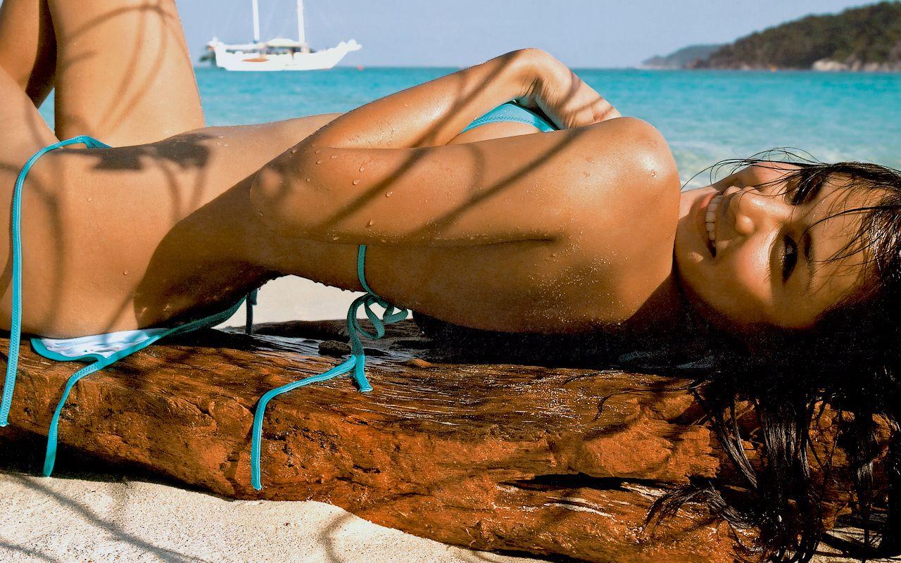 Pin By Kaitlyn Lang On Got It Going On Bikinis Bikini Beach