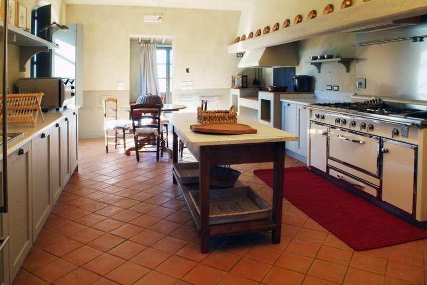 Colori pareti per pavimento in cotto - Cucina color crema ...