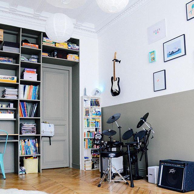La chambre des kids côté zik peinture kaki peinture ressource rangement