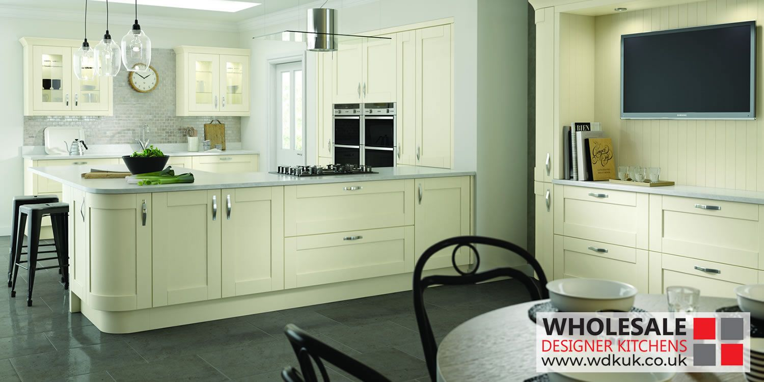 Cambridge Ivory Kitchens Kitchen Cabinets The Gentle Ivory Kitchen Tone Is A Perfect Complement To The Shaker Style C Kitchen Design Ivory Kitchen Kitchen