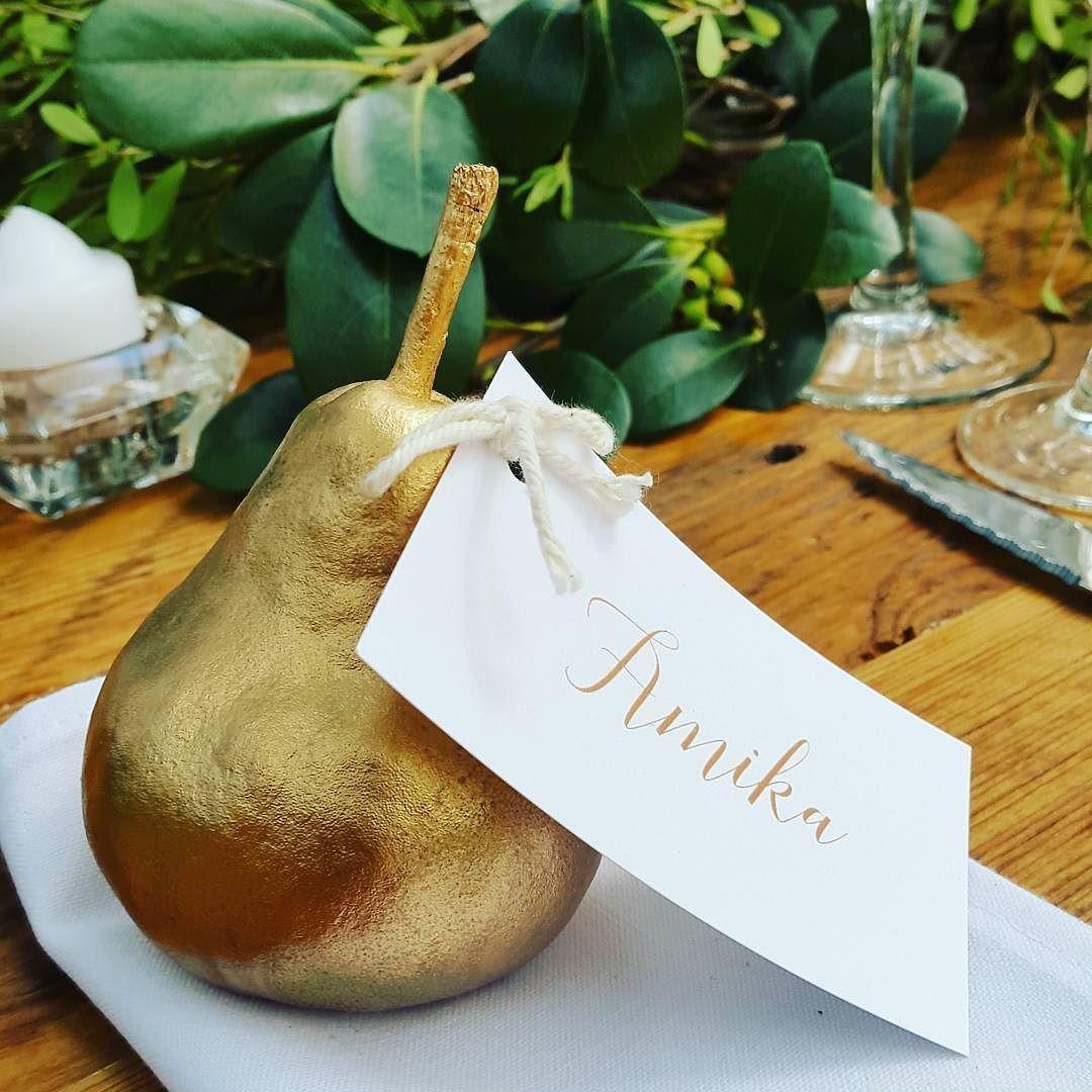 Gorgeous golden pears for name cards #namecards #goldpear #creative #weddingideas #Alamango #Bridal #Textiles #Wedding #AlamangoBridal #AlamangoTextiles #Malta #LoveMalta #Bridesmaid #WeddingDress