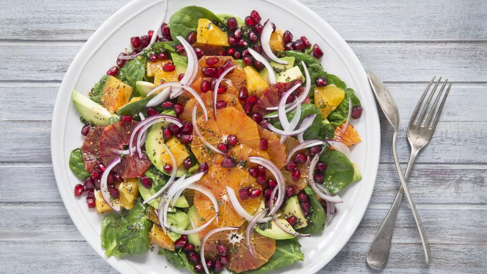 Orangensalat mit Avocado und Granatapfel      Mit diesen Merkmalen wird die Komfortnahrungssucht be