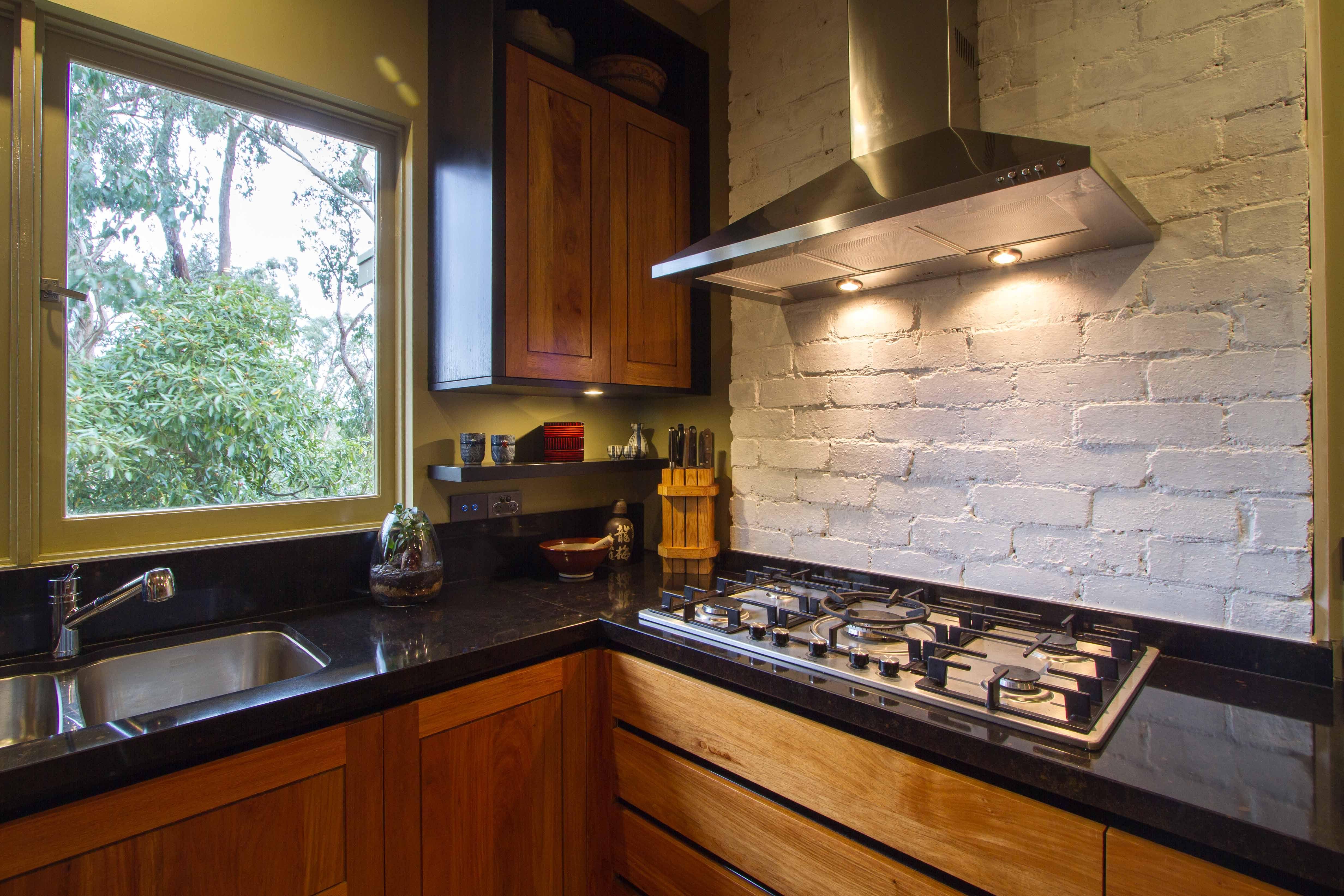 Stunning Japanese Timber Kitchen Painted Brick Splashback Www Thekitchendesigncentre Com Au Thekitchen Designce Japanese Kitchen Japanese Furniture Kitchen