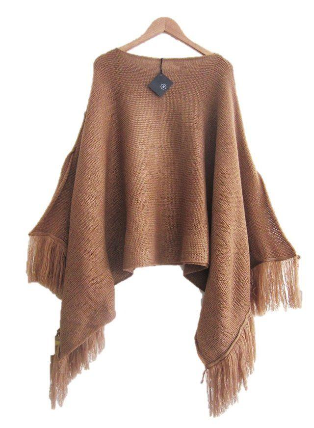 Poncho de lana con flecos.