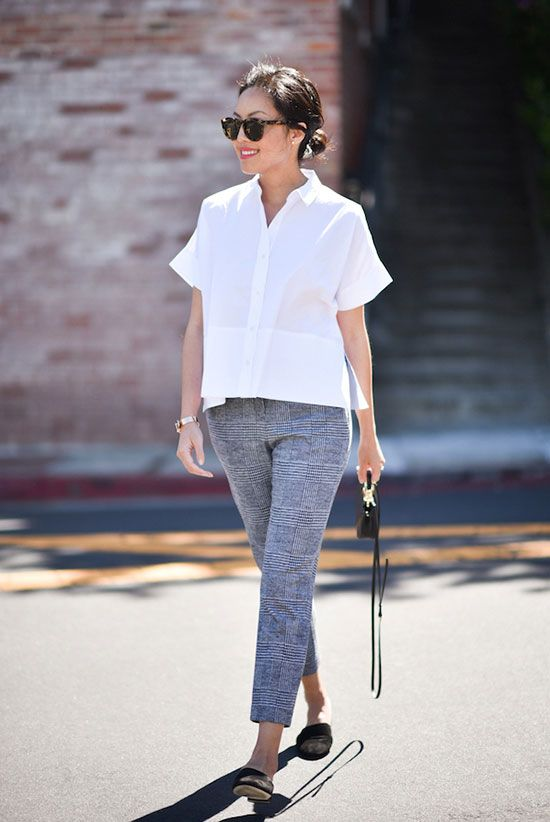 25 Of The Chicest White T Shirt Outfits We Ve Ever Seen Llegance Simple Work Outfits Summer Work Outfits Work Outfit