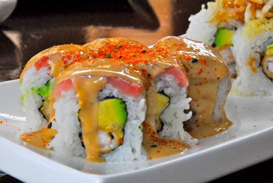 Maki acevichado & samurai  with Inca Kola in the back ground, not sure it would be my beverage choice with such a treat