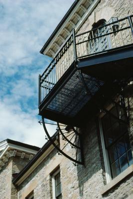 Requisitos e cuidados ao construir uma varanda ou sacada | eHow Brasil