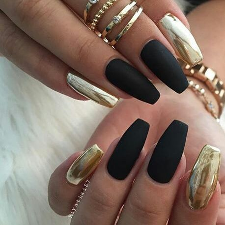 Imagine Black Gold And Nails Metallic Nails Design Gold Nail Designs Metallic Nail Art