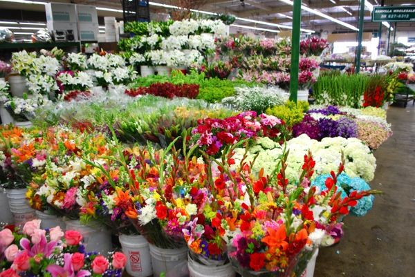 Portland Or Flower Market Spellboundflowers Com Flower Market Fresh Flower Market La Flower Mart