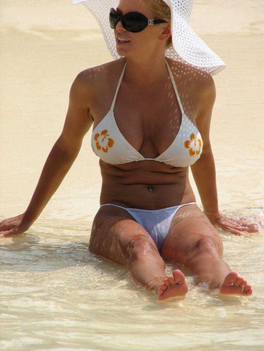 Jessica simpson bikini cameltoe