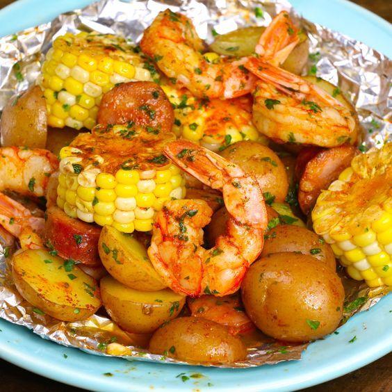 Shrimp Boil Foil Packs (Grilled or Baked) - TipBuz