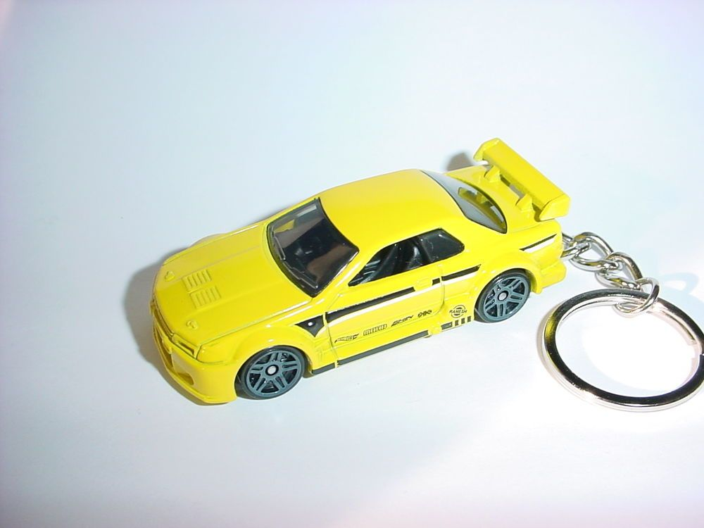 Yellow Toy Car Keyring Keychain Fast Color Diecast Nissan Skyline Gtr Gt-r R35