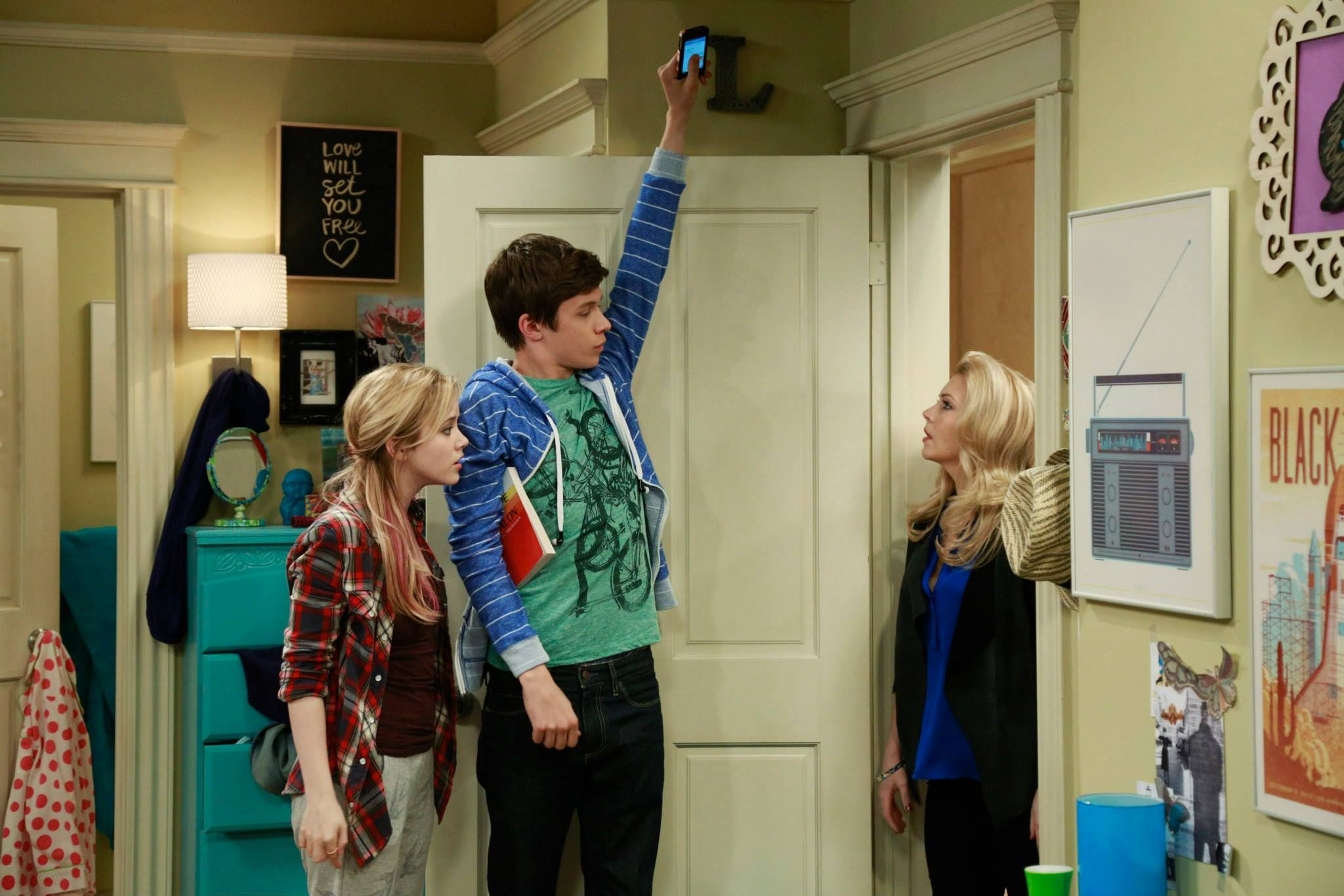 Watch all-new episodes of Melissa & Joey Wednesdays at 8 ...